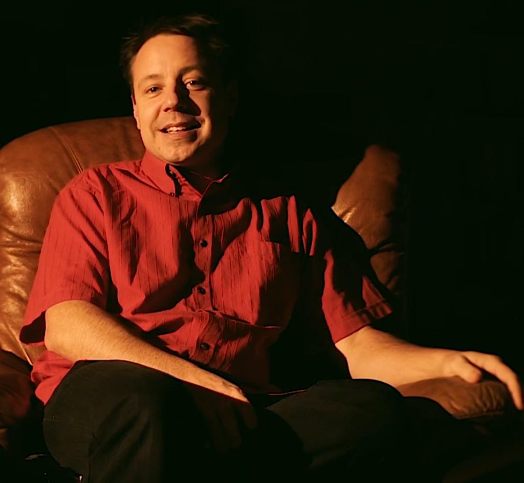 Mann bei einem professionelle Videobewerbung er hat Bewerbungsfilm machen lassen schwarz in Frauenfeld oder Winterthur