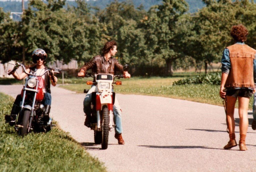Rocker auf Motorrädern wärend der entstehung des Spielfilms. Auseinandersetzung mit Hells Angels.