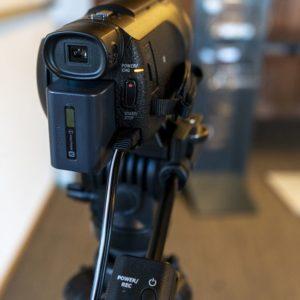 Livestream-studio-mit-kamera-von-hinten-softbox-ton-und-audio-in-der-schweiz